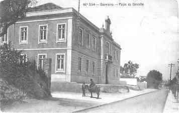 Bilhete Postal Ilustrado com os recém inaugurados Paços do Concelho do Barreiro.